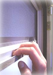 Rollladen mit integriertem Insektenschutz.