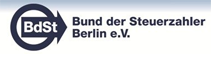 Lieferung und Montage von gebogenen Vertikalanlagen, Französische Straße 9-12 in Berlin Mitte.